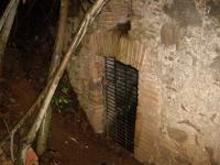 18.10.2008.- Porta d'entrada a la caseta.