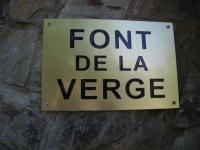 5.05.2007.- Imatge del rètol de la font.