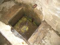 27.11.2005. Imatge del tub i de la pica.