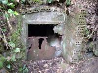 3.10.2009. Imatge de la porta de la mina.