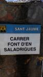 1.05.2016.- Imatge de la placa del nom del carrer.
