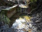 10.03.2016. Imatge del safareig i del toll d'aigua on estava la font.