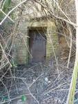 180315.- Imatge de la porta de la mina.