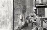 1943. Nens a la font (Arxiu de la família Vidal i Barraquer) ANC. Maite Herrada Hernandez.