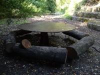 28.08.2010.- Imatge de l'entorn de la font.