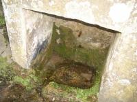 01.05.2006. Imatge de la bassa i el tub.