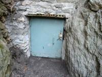 Imatge de la porta de la mina.