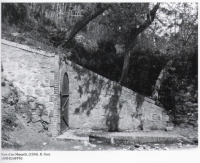 Imatge antiga de l'entrada a la font.